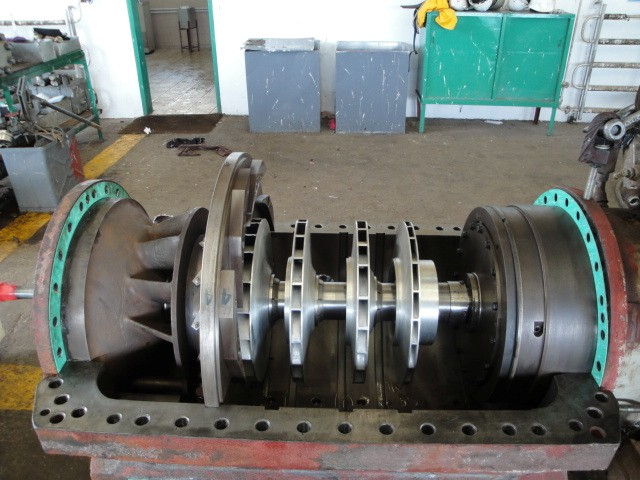 MULTISTAGE CENTRIFUGAL COMPRESSOR